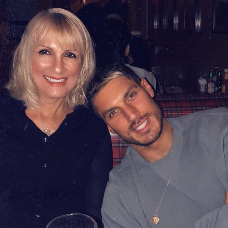 Chris Appleton with Parent/s}}