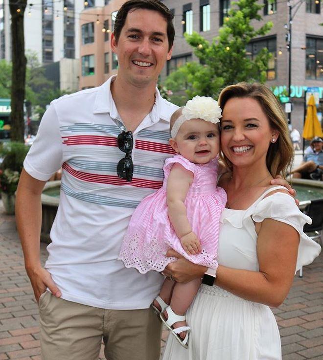Kalee Dionne with Children}}