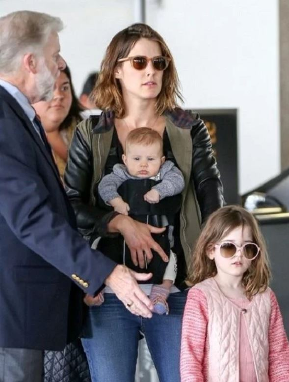 Cobie Smulders with Children}}