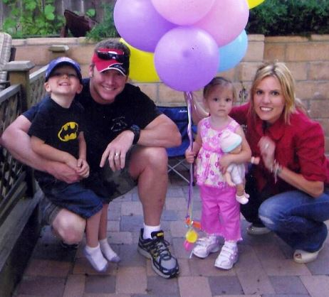 Taya Kyle with Children}}