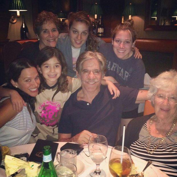 Geraldo Rivera with Children}}