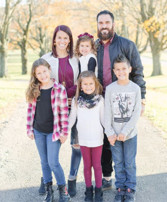 Eric Weddle with Children}}