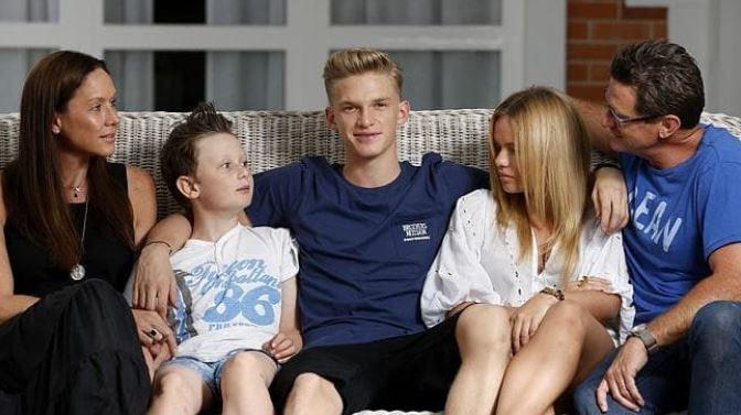 Cody Simpson with Parent/s}}