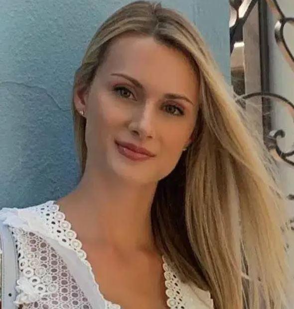 Laura Savoie