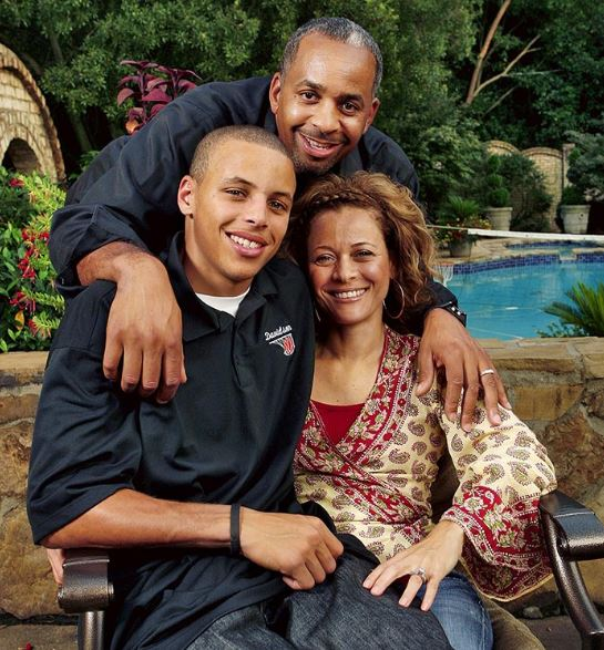 Stephen Curry with Parent/s}}