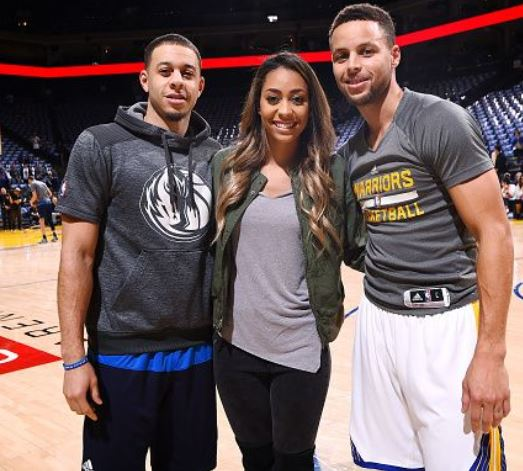 Stephen Curry with Sibling/s}}