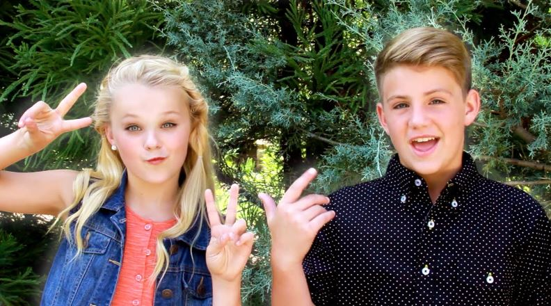 JoJo Siwa with rumored boyfriend, MattyB. | Source: youtube.com