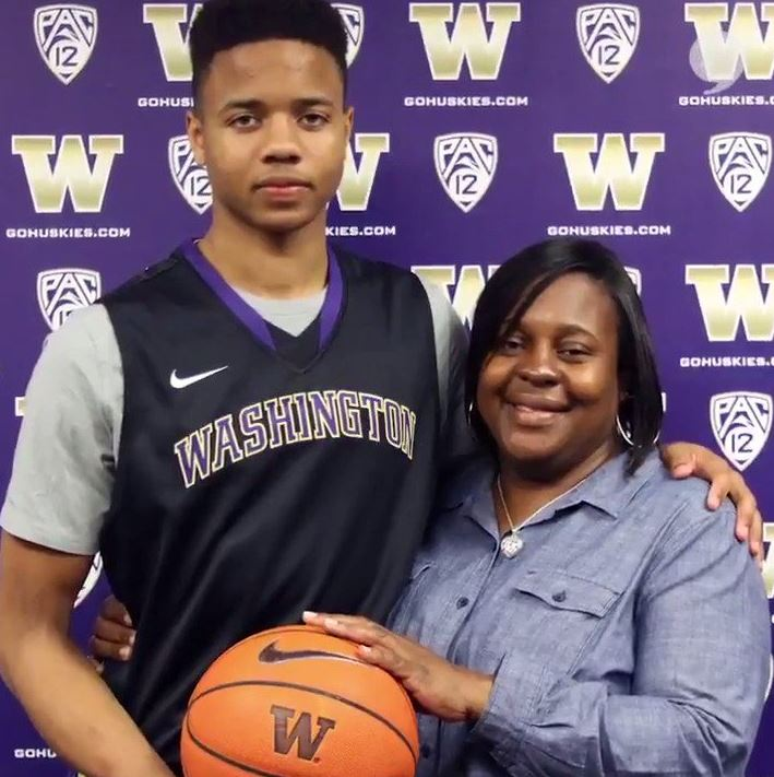 Markelle Fultz with Parent/s}}