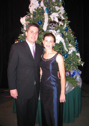Devin Nunes with his wife, Elizabeth Nunes   Source:commons.wikimedia.org