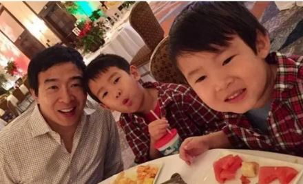 Andrew Yang with Children}}