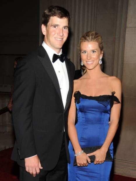 Eli Manning with his wife, Abby Manning. | Source: cheatsheet.com