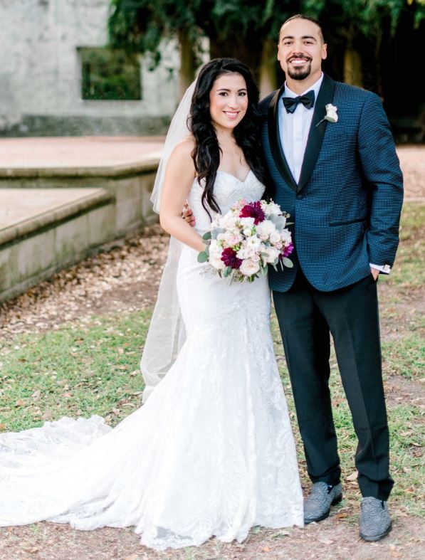 Anthony Rendon with his wife, Amanda Rodriguez. | Source: danafernandezphotography.com