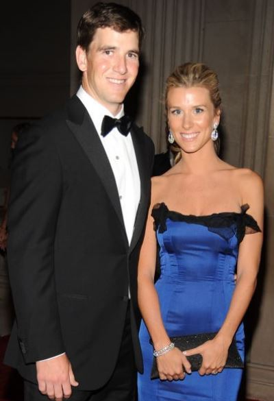 Abby Manning with her husband, Eli Manning. | Source: cheatsheet.com