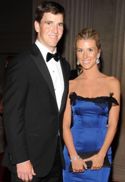 Abby Manning with her husband, Eli Manning. | Source: cheatsheet.com