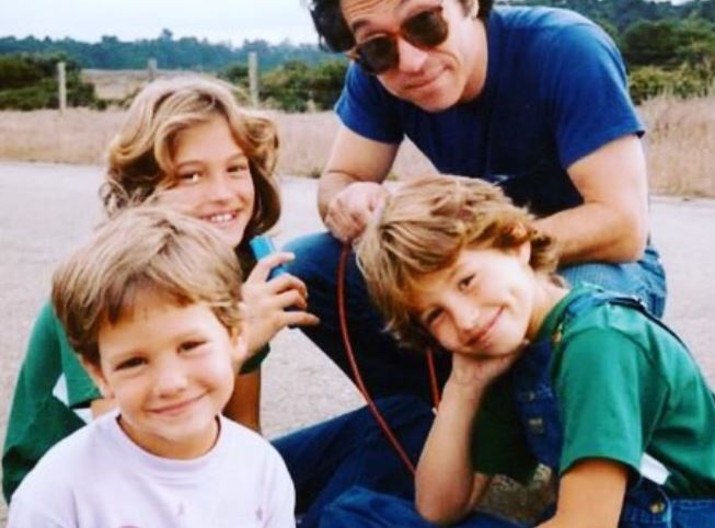 Emily Compagno with Sibling/s}}