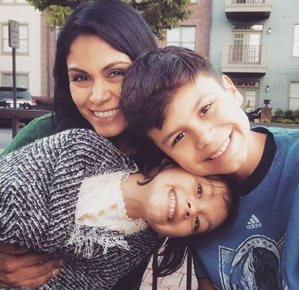 Wendy Corona with Children}}