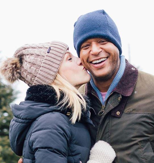 Lindsay Czarniak with her husband | Source: Instagram