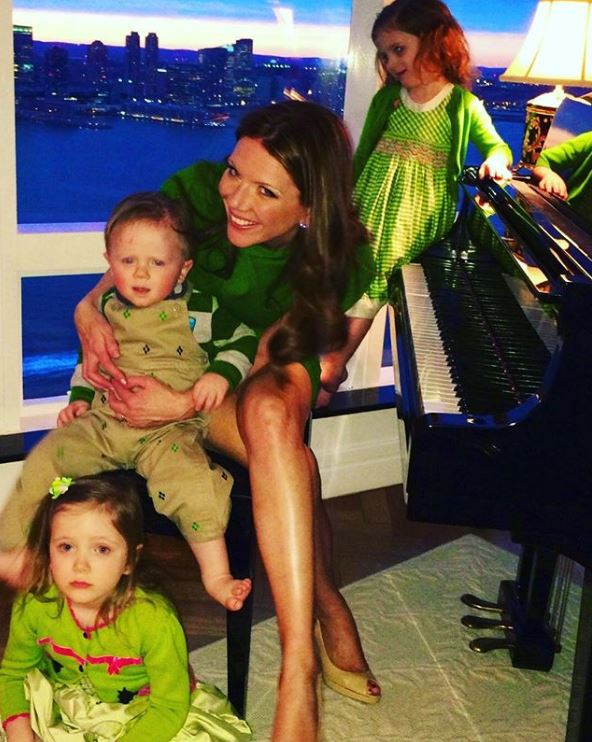 Trish Regan with Children}}