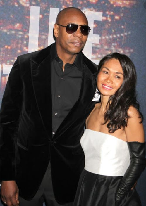 Elaine Chappelle with her husband, Dave Chappelle. | Source: desktop.fansshare.com