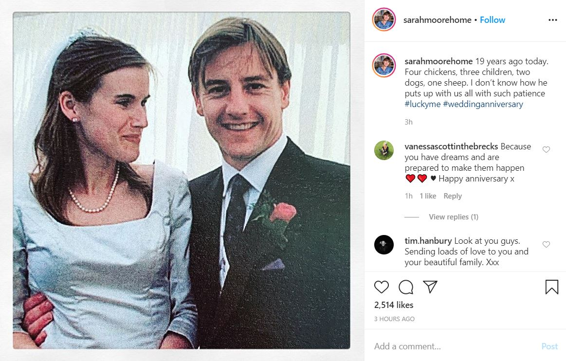 Sarah Moore on her 19th wedding anniversary on June 2, 2020. | Source: Instagram.com