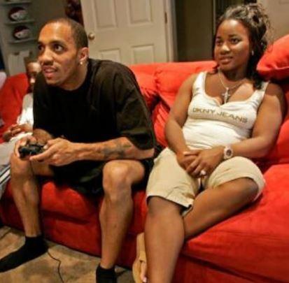 Sherron Caldwell with her ex-husband, Reche Caldwell | Source: Walikali.com
