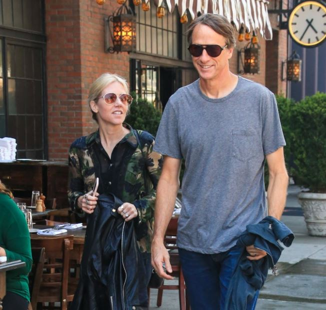 Cathy Goodman with her husband, Tony Hawk. | Source: gettyimages.co.uk