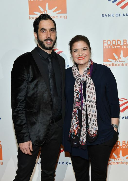 Alex Guarnaschelli with her fiance, Michael Castellon. | Source: Dailymail.co.uk