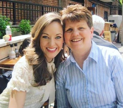 Laura Osnes with Parent/s}}