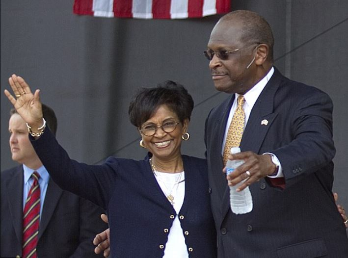 Gloria Etchison with her late husband, Herman Cain. | Source: dailymail.co.uk