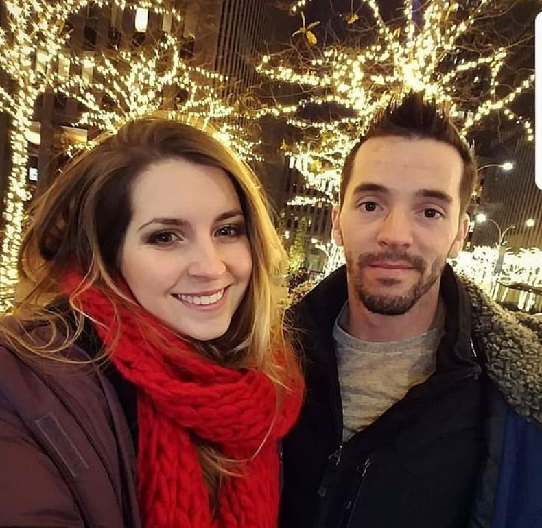 Drew Drechsel with his girlfriend, April Beckner. | Source: Facebook.com