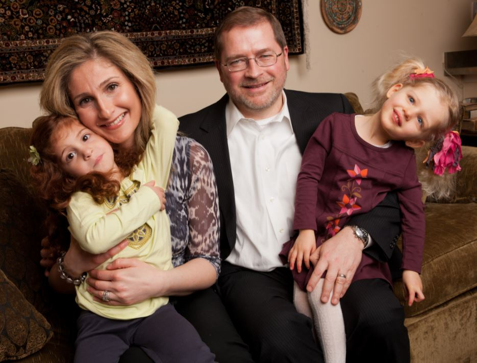 Grover Norquist with Children}}