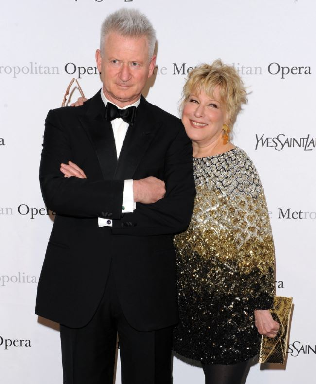 Martin von Haselberg with his wife, Bette Midler. | Source: closerweekly.com