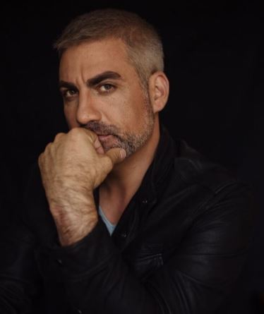 Taylor Hicks with Parent/s}}