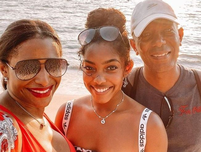 Gabby Morrison with Parent/s}}