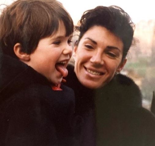 Hilary Farr with Children}}