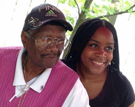 Kimberly Atkins with Parent/s}}