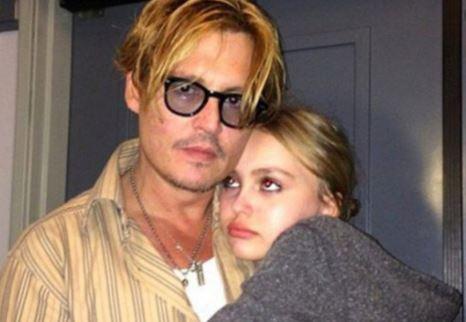 Johnny Depp with Children}}