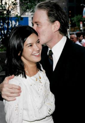 Phoebe Cates and her Husband | Source: Pinterest