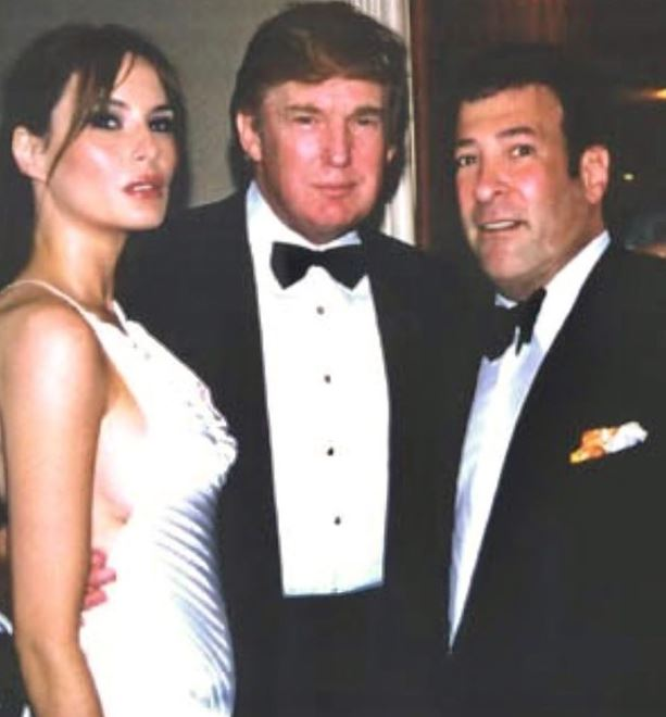 Mark Simone with Donald Trump & Melania Trump. | Source: Instagram