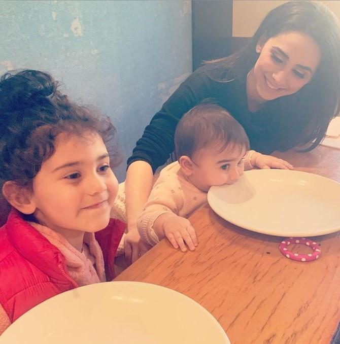 Araksya Karapetyan with Children}}