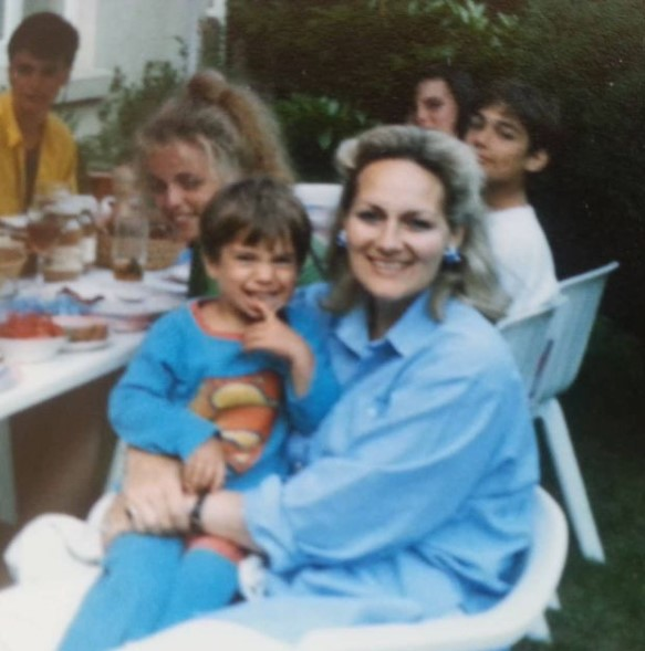 Henry Cavill with Parent/s}}