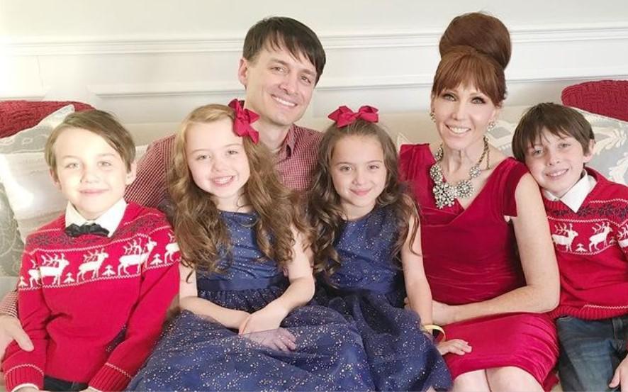 Violet McGraw with Parent/s}}